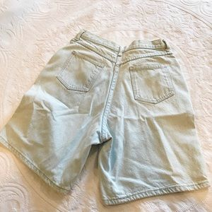 Vintage | 90's Bleach Wash Long Mom Jean Shorts